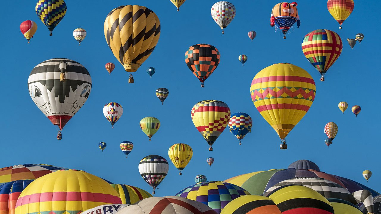 fliegende Heißluftballon